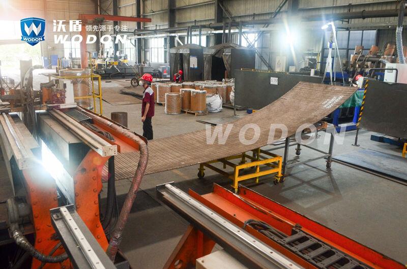 减小焊接复合耐磨钢板变形的方法