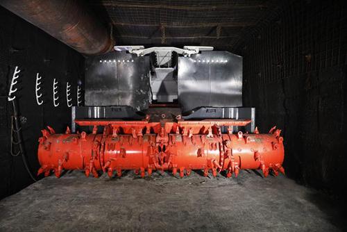 高铬耐磨复合钢板在掘锚机装运机构